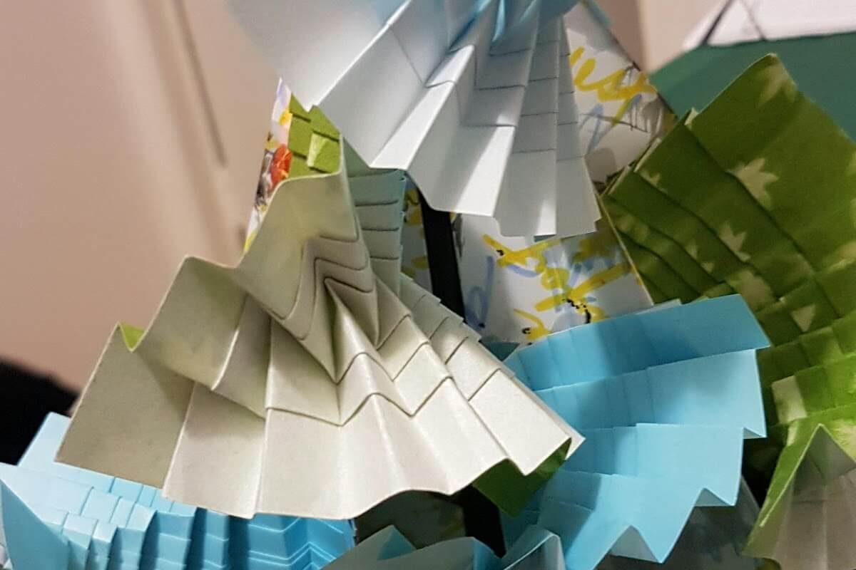 Folding theme